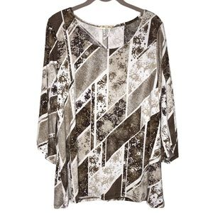 Brittany Black Womans 1X Floral Abstract Blouse